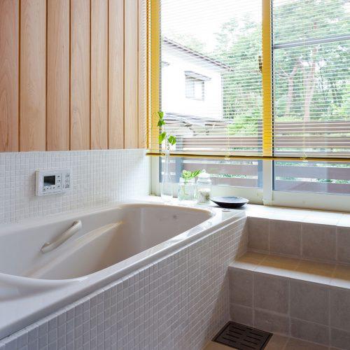 浴室と小庭